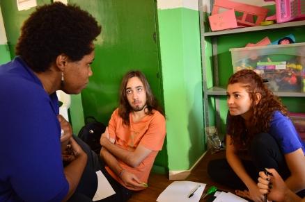 Oficina sobre questões raciais para educação, oferecida pela ONG Nipe e presidida por Dea Vilela, ex-professora da Vivendo.