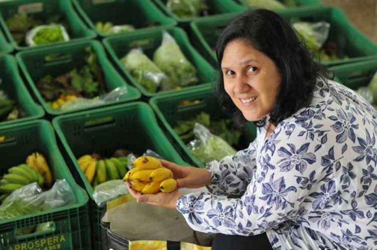 Daniela Ângelo Miranda, 42 anos, é uma das organizadoras da CSA que funciona em uma escola da Asa Norte.